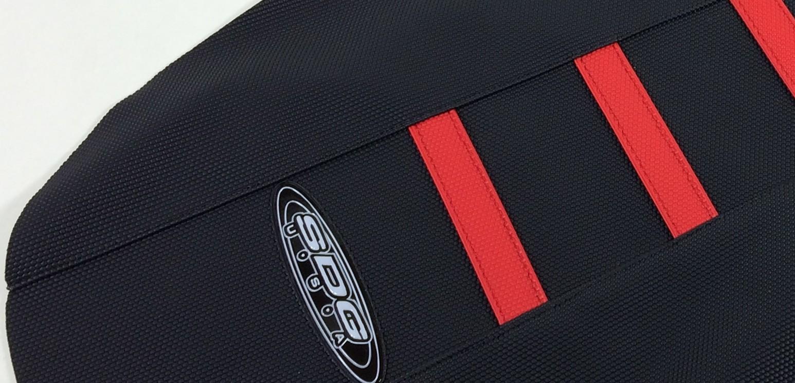 housse de selle sdg noir rouge 250 cr f 2008 2009 crossmoto fr 01 02 2019. Black Bedroom Furniture Sets. Home Design Ideas
